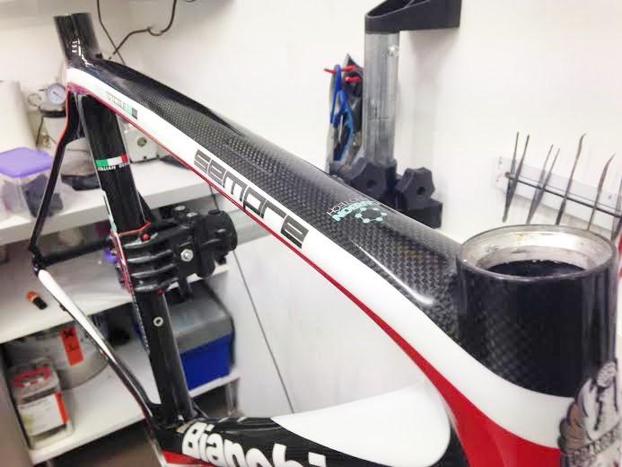 """Bianchi Sempre met scheur in carbon in het """"zichtdeel"""""""